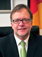 Der eher unbekannte Präsident des Zollkriminalamtes, Norbert Drude. Seine Behörde arbeitet mit Geheimdiensten und Überwachungsfirmen an der Standardisierung von Abhörtechnologie